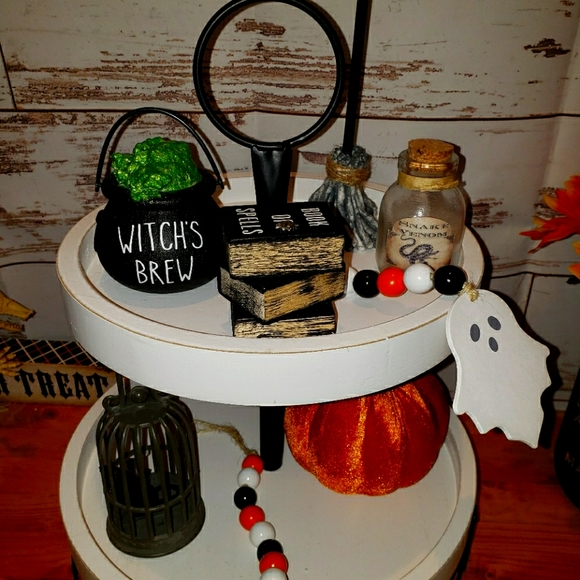 Halloween tiered tray decor witch set lot